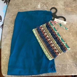 NWT ANNA & AVA Scarf & Attractive Cosmetics Purse